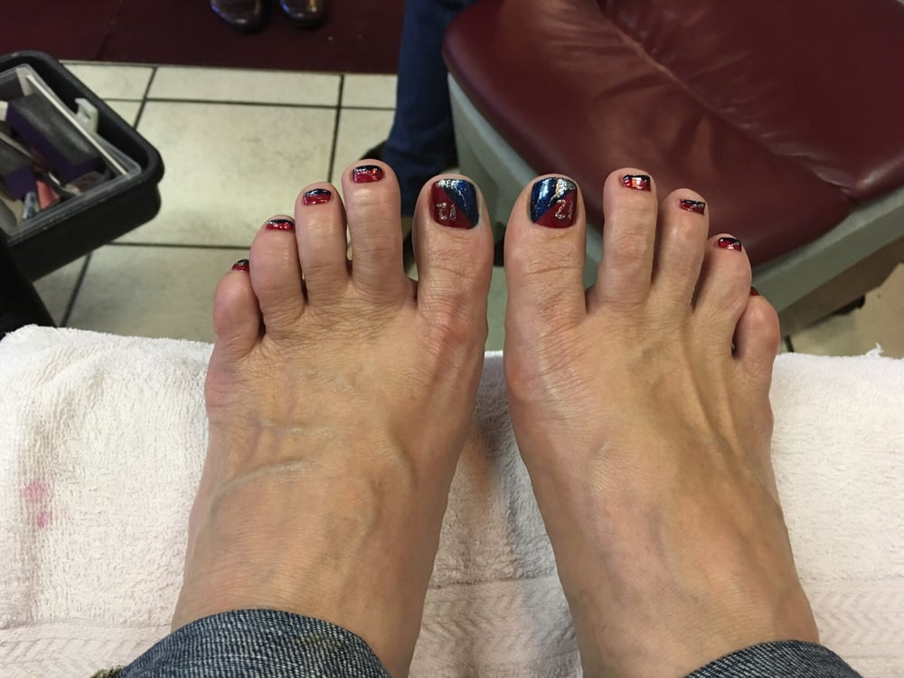 Stopped in for my special patriots football pedicure!! Kim was ...