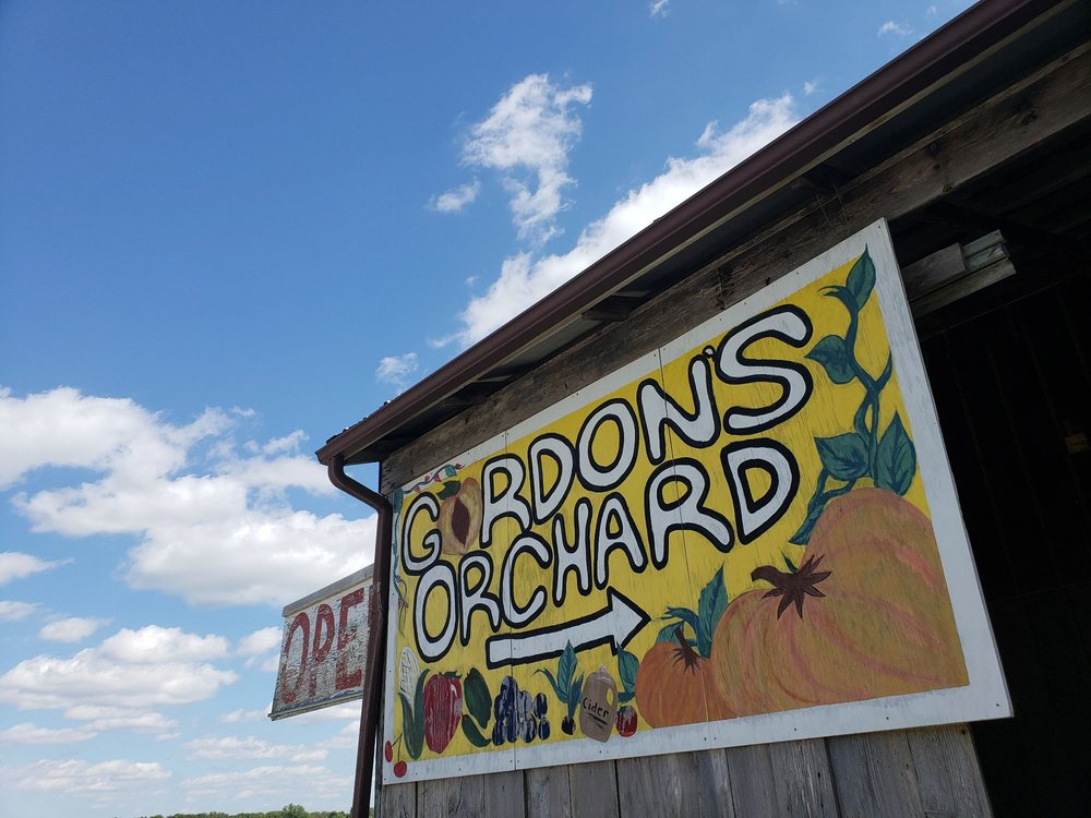 Gordon's Orchard: Hwy 13 At Se 250 Rd, Osceola, MO