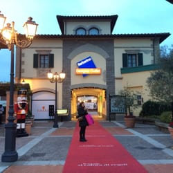 Outlet Stores in Pieve a Nievole - Yelp
