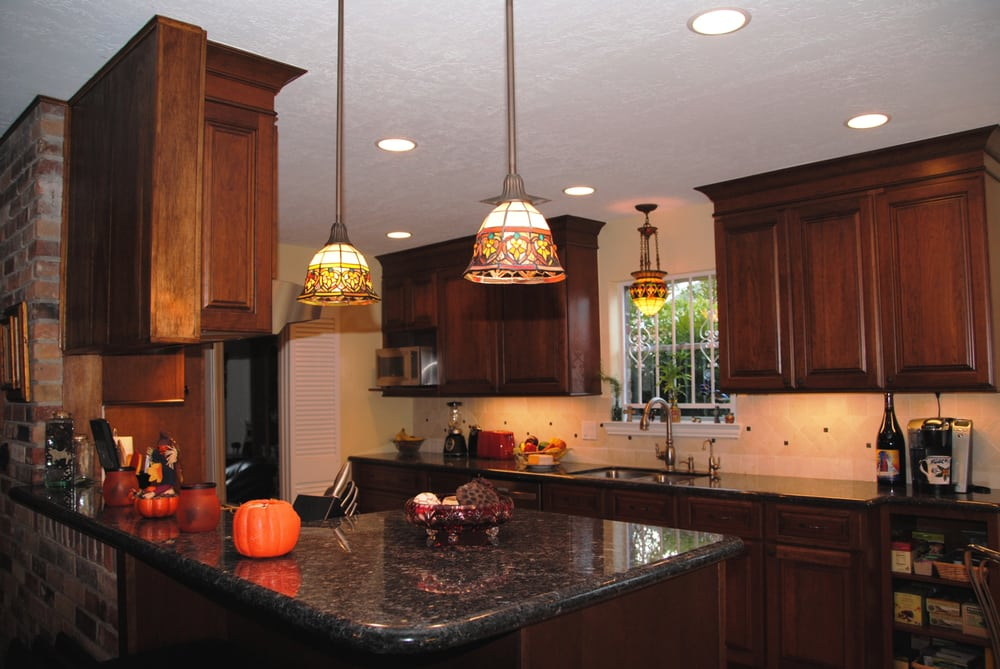 THE PENDANT LIGHTS OVER THE COUNTER REALLY MAKE THIS NEW KITCHEN - Over the counter hanging lights