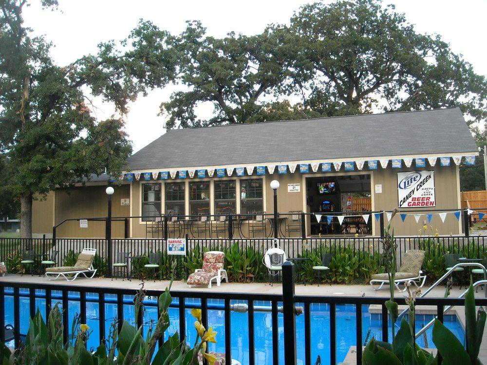Caney Creek Resort: 8848 Soldier Creek Rd, Kingston, OK