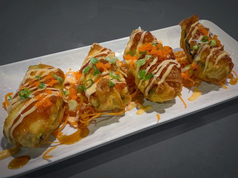 Koi Sushi Bar & Asian Bistro: 111 NE Hillcrest Dr, Grants Pass, OR