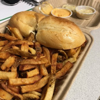 Roaming Rooster 88 Photos 95 Reviews Food Trucks Downtown