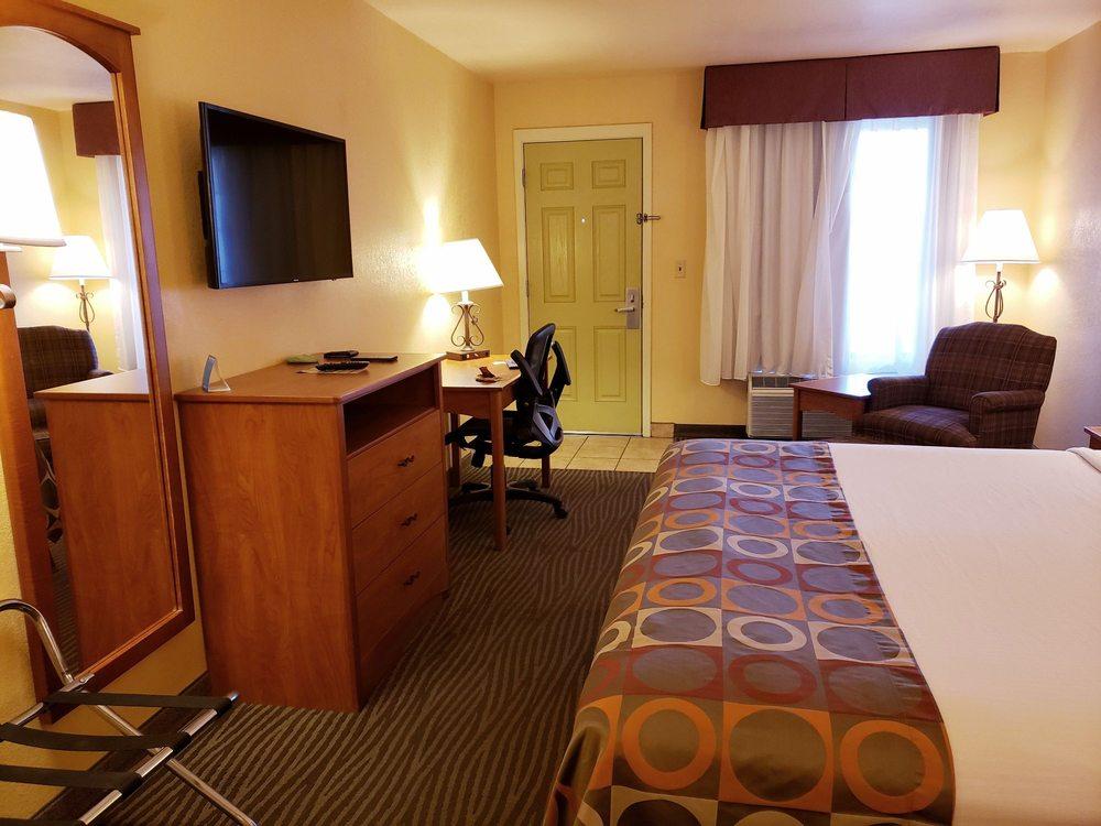 Best Western Desert Inn: 1391 W Thatcher Blvd, Safford, AZ