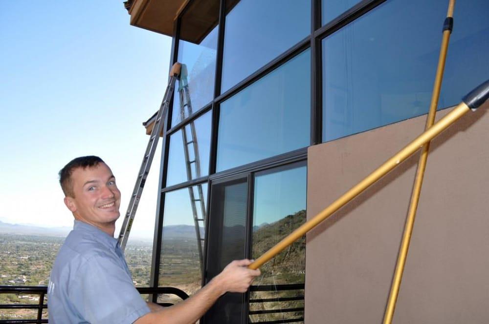 Holt Window Cleaning: Chandler, AZ