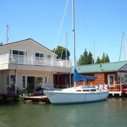 Captains Moorage - Boating - 55 NE Bridgeton Rd, North