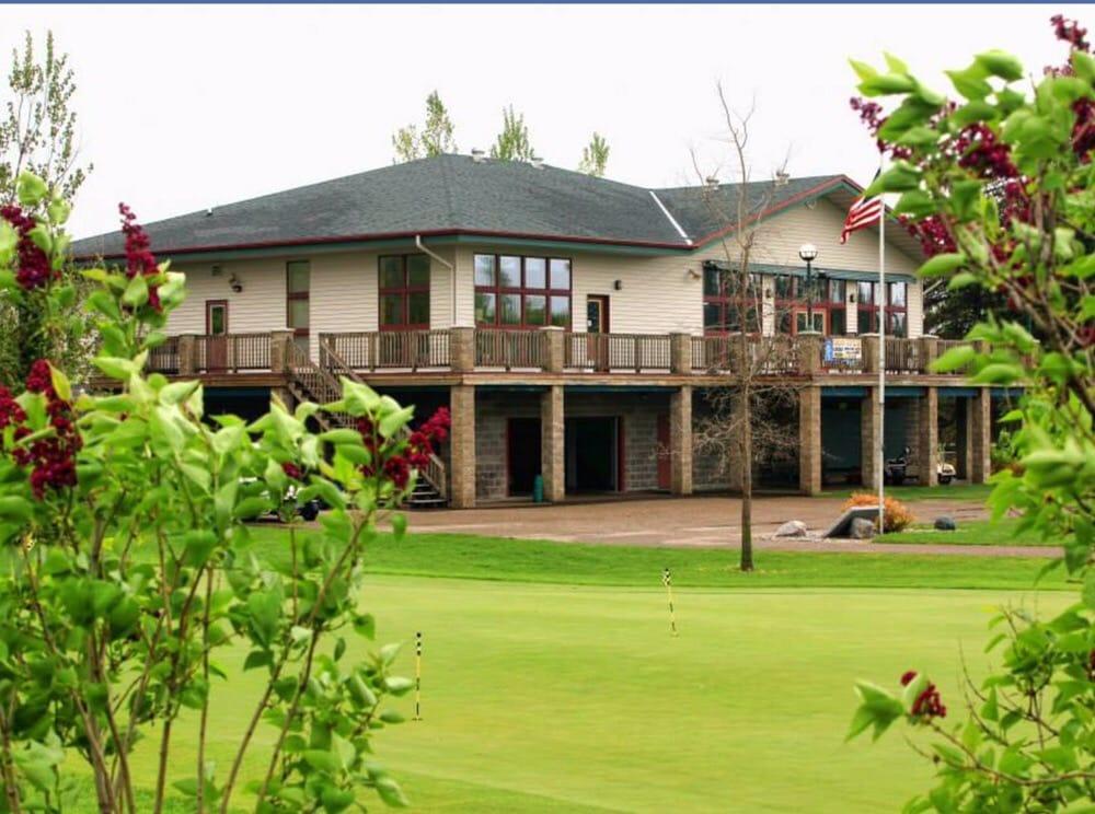 Bois De Sioux Golf Course: 1305 Rj Hughes Dr, Wahpeton, ND