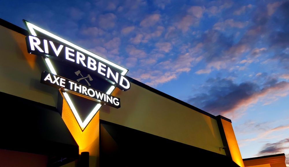 Riverbend Axe Throwing: 205 Eastgate Plz, East Alton, IL