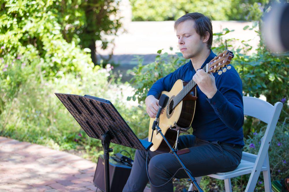 Christopher Nicklin Guitar: San Jose, CA