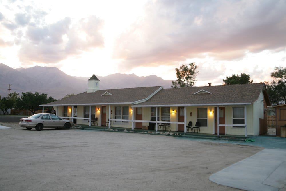 Independence Inn: 440 S Edwards St, Independence, CA