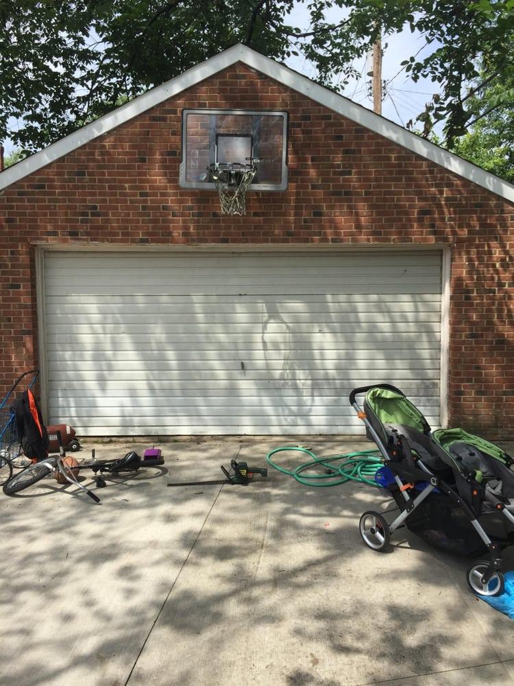 Elite garage door systems servizi per porte di garage for 2 piedi quadrati per garage