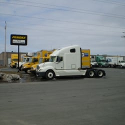Find Penske Truck Rental locations in Ontario. Free unlimited miles on one-way rentals and savings with our moving supplies. We offer clean, newer trucks and .