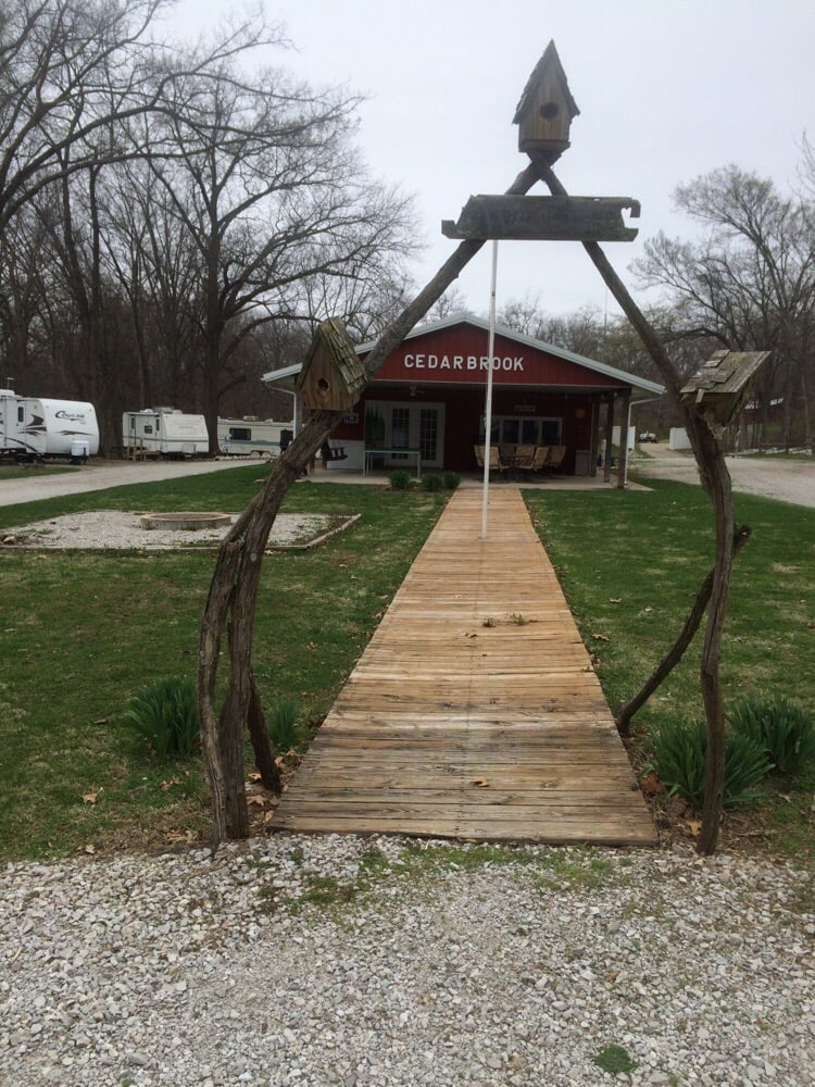 Cedarbrook Rv Park: 1109 Mulberry Grove Rd, Mulberry Grove, IL
