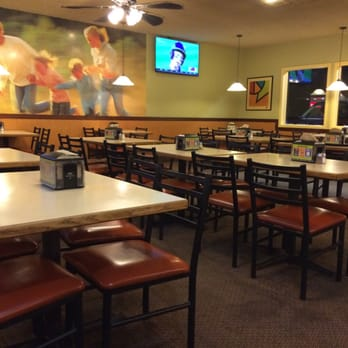 Round Table Pizza - 32 Photos