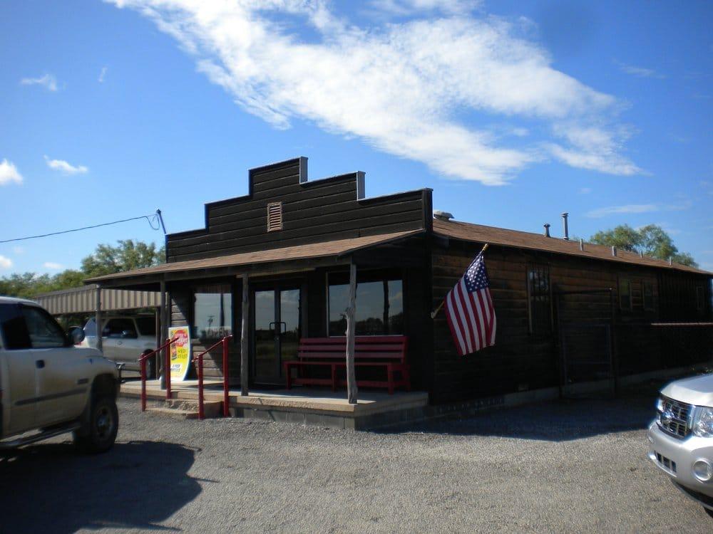 Robertson's Hams: 501 Interstate 20 E, Baird, TX