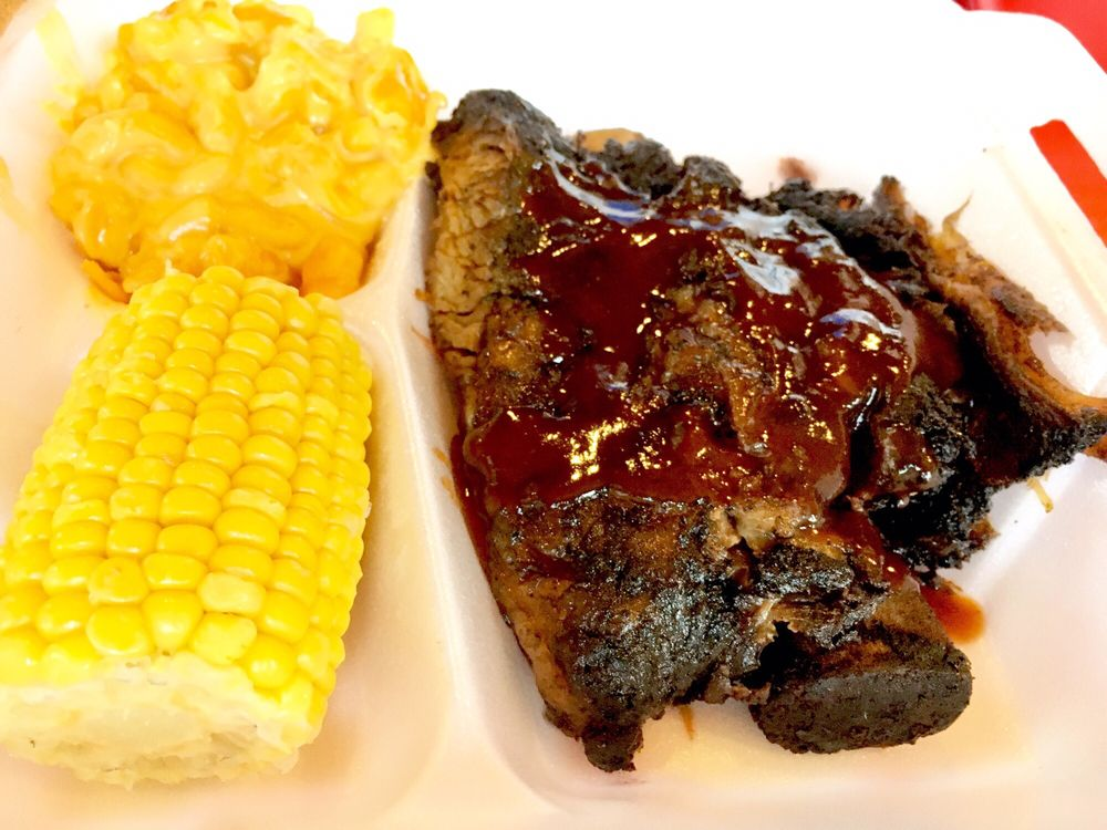 Toms Barbeque: 4087 Getwell Rd, Memphis, TN