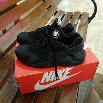 0b48dd4e020a4 Lady Foot Locker - Shoe Stores - 98-1005 Moanalua Rd, Aiea, HI ...