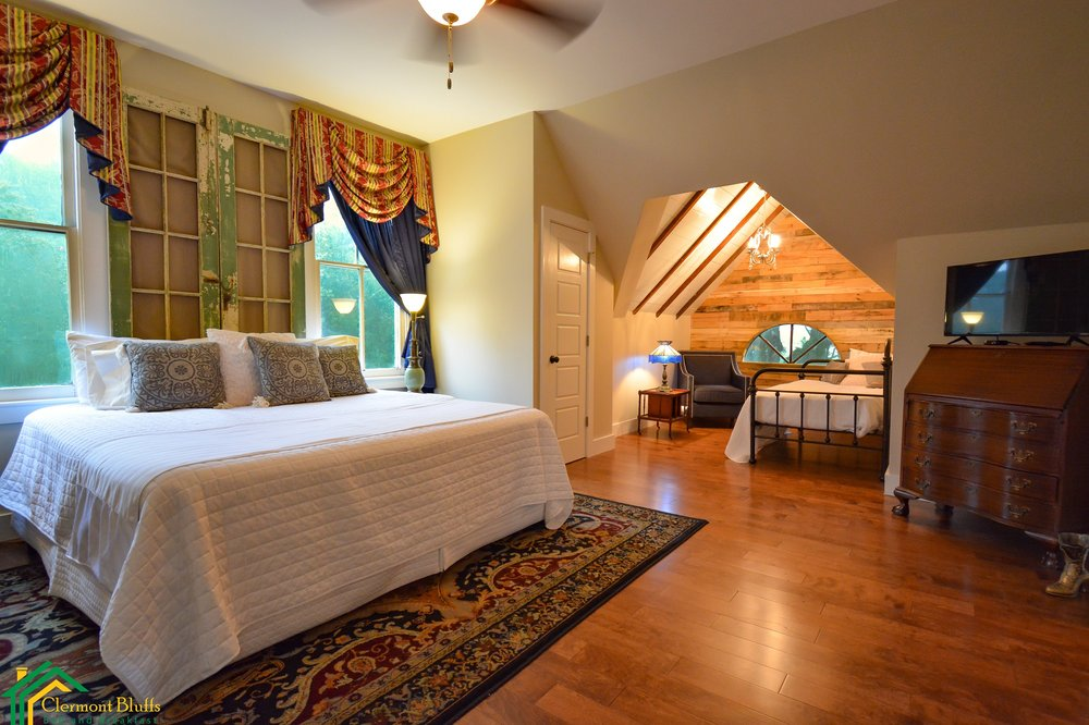 Clermont Bluffs Bed and Breakfast: 42 Cemetary Rd, Natchez, MS
