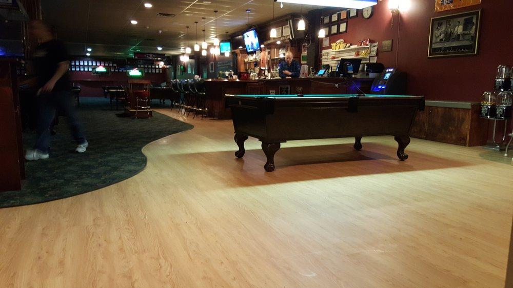 VIP Billiards: 724 Montauk Hwy, Bayport, NY