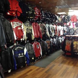 parajumpers store in nyc