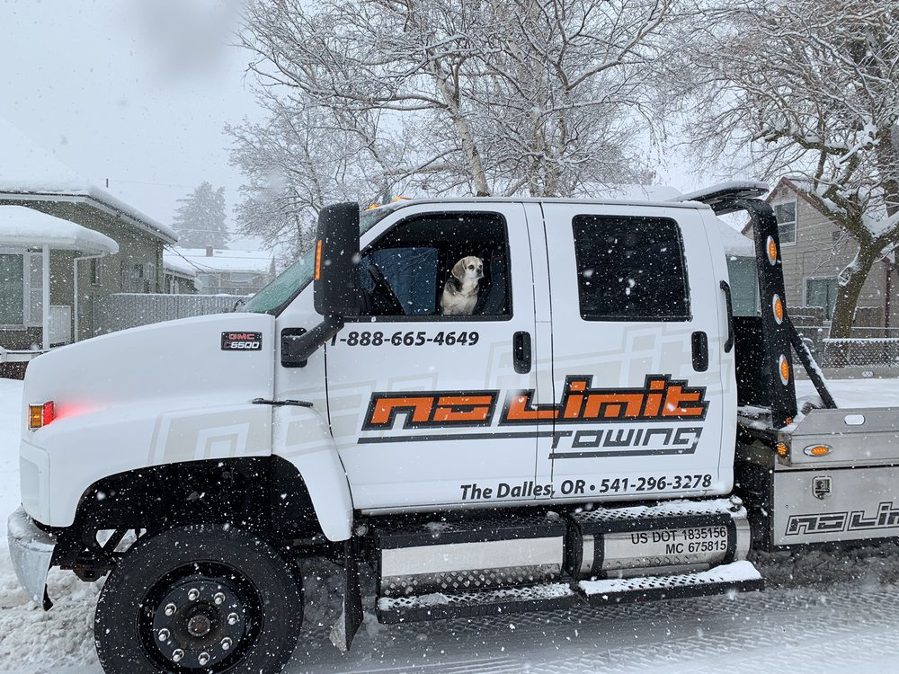 Towing business in The Dalles, OR