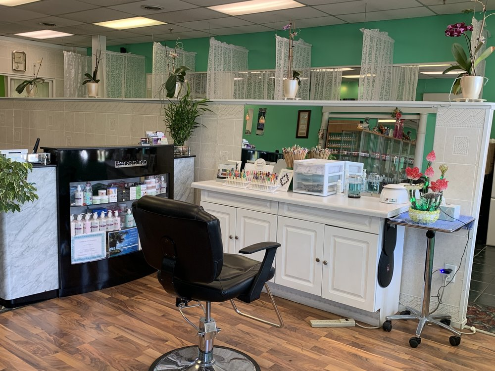 Pro Nails: 834 S Broadway, Rochester, MN