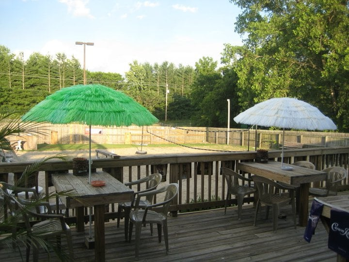 Front Row Sports Bar: 730 Mooresville Pike, Columbia, TN