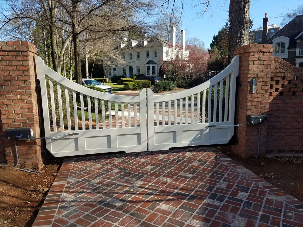 J and G Fence Co. Inc.: 1326 W 2nd Ave, Gastonia, NC