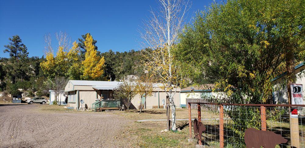 Boulders RV Park & Laundromat: 1776 Black Canyon Rd, Heber, AZ