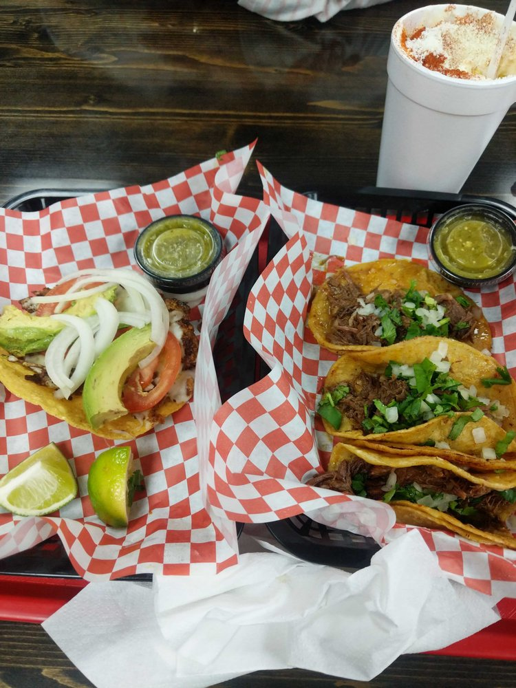 Taco Rico: 8238 N Oak Trafficway, Kansas City, MO