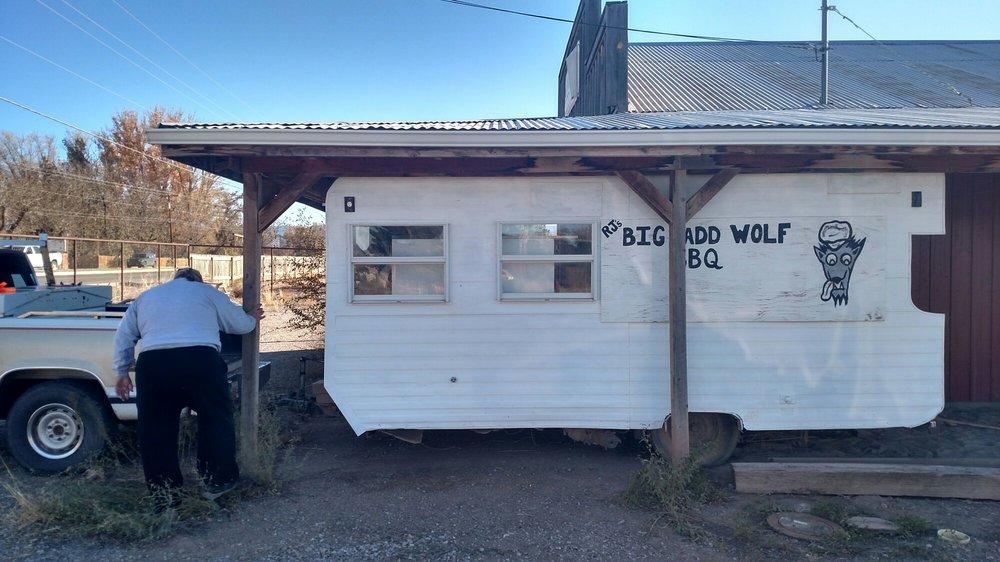 RJ's BBQ: 1000 Central Ave, Tularosa, NM