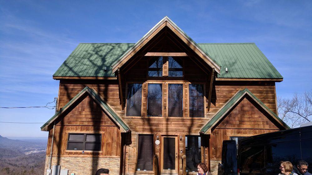 Gatlinburg Mountain Escape: 2030 Orchard Dr, Sevierville, TN