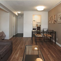 Chateau lincoln apartments ville marie montreal qc for Appartement meuble a montreal