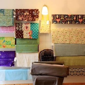 misses bisly shopping weserstr 18 friedrichshain. Black Bedroom Furniture Sets. Home Design Ideas