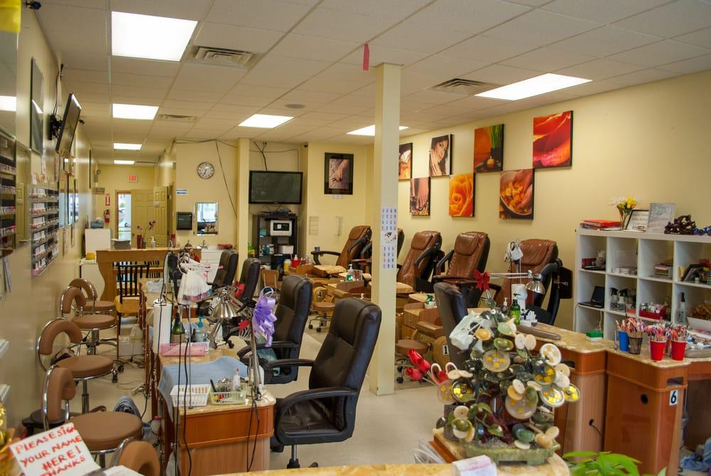 Mimi Luxury Nails-Spa: 115 S Black Horse Pike, Bellmawr, NJ
