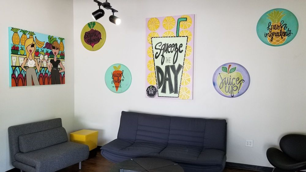 Savvy Juice Smoothie and Juice Bar: 4036 Dutchmans Ln, Louisville, KY