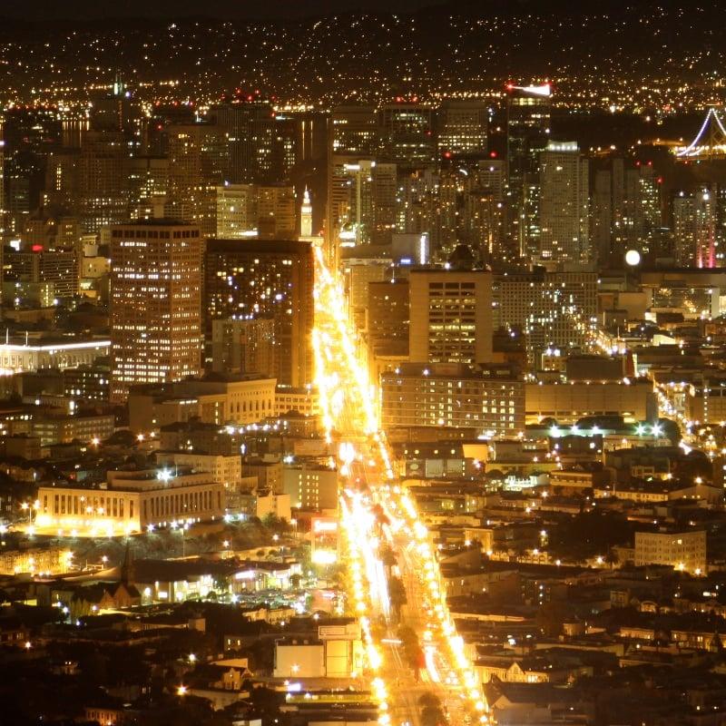 Path of Gold Light Standards: 1 Market St, San Francisco, CA