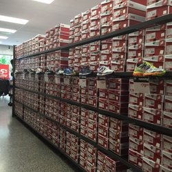 new balance warehouse