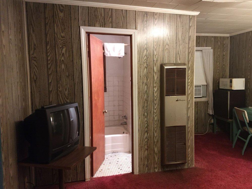 Starlite Motel: 301 W Business 36, Chillicothe, MO