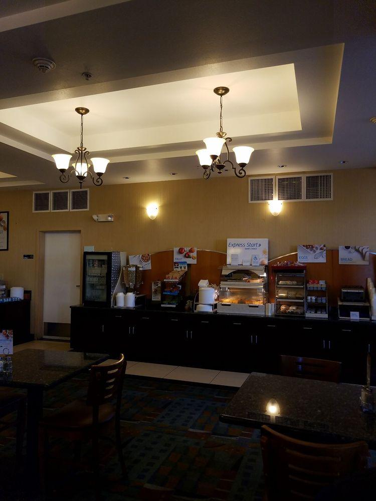 Holiday Inn Express & Suites Tucson: 1564 W Grant Rd, Tucson, AZ
