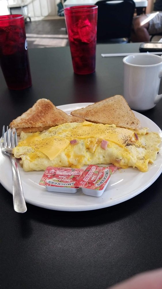 Angelina County Airport Cafe: 800 Airport Blvd, Diboll, TX