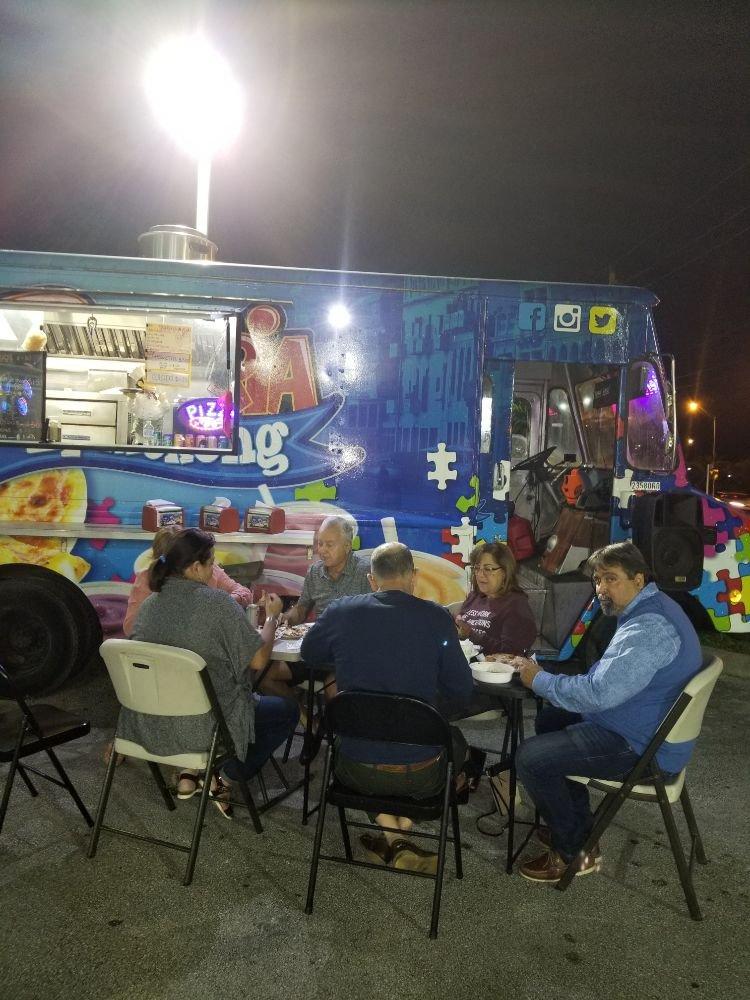 Food Truck Pizzeria El Mekong: 12498 SW 8th St, Miami, FL
