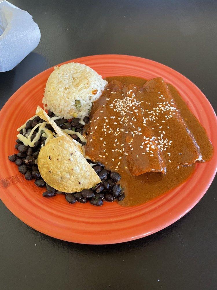 Paisano Cafe: 1740 Calle De Mercado, Mesilla, NM