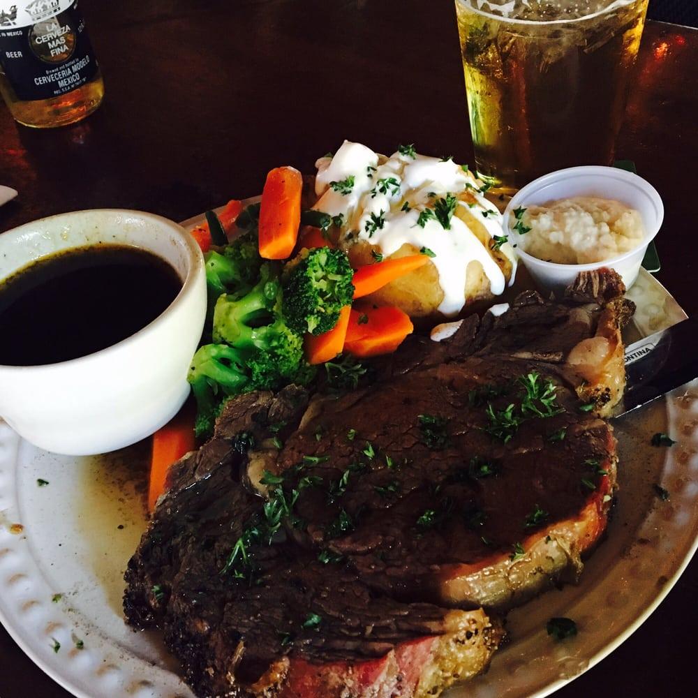 Henfling's Tavern: 9450 Hwy 9, Ben Lomond, CA