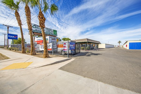 Staxup Storage 902 E Evan Hewes Hwy El Centro Ca Facilities Mapquest
