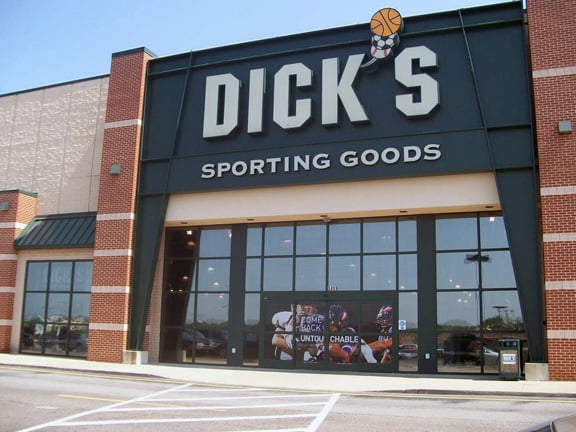 DICK'S Sporting Goods: 5809 Youngstown Warren Rd, Niles, OH