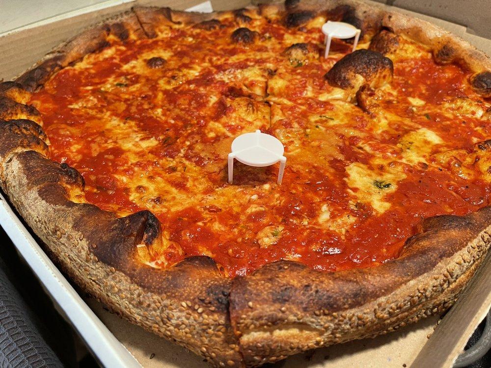 Ippolito's Cucina Italina Pizzeria: 700 Hwy 70, Lakewood, NJ