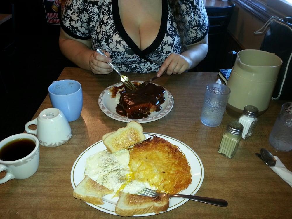 Joe's Restaurant: 1151 Spruce St, Alexandria, SD