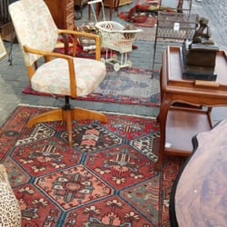antiquit tenmarkt 21 foto 39 s antiquiteiten tongres limburg belgi yelp. Black Bedroom Furniture Sets. Home Design Ideas