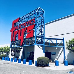 By Photo Congress || Frys Electronic Store Hours